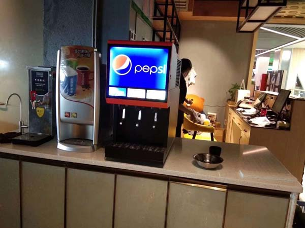 南阳周边可乐机安装可乐糖浆配送汉自助餐饮料机